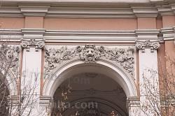 Оздоблення колонади балкону