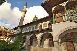 Галерея та мінарет мечеті