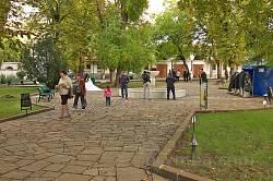Двір ханського палацу у Бахчисараї