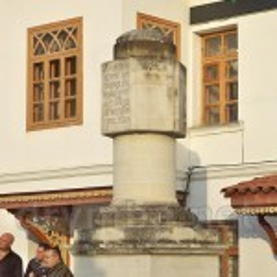 Катерининська миля біля воріт Ханського палацу
