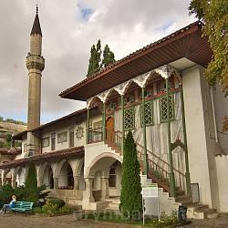 Ханське ложе біля мечеті