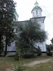 На території монастиря