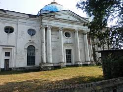 Церква Успіння Богородиці. Бічний портал
