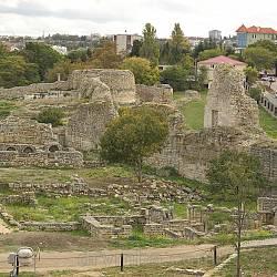 Римська цитадель у Херсонесі. В центрі вгорі - башта Зенона