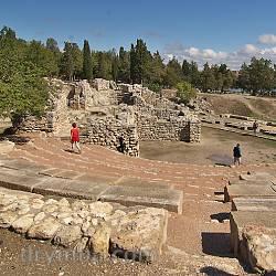 Амфітеатр та Храм з Ковчегом. Загальний вигляд