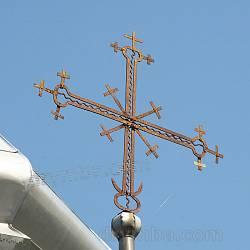 Хрест на малій маківці над бабинцем