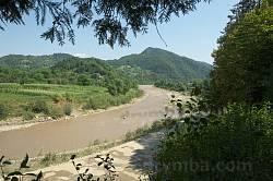 Вид от монумента на долину Черемоша