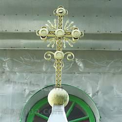 Хрест над входом