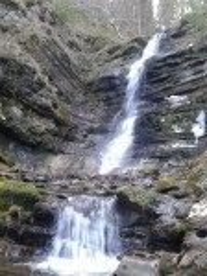 Водопад Лазный вблизи села Долгое