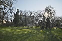 Весняний вечір у парку Івана Франка