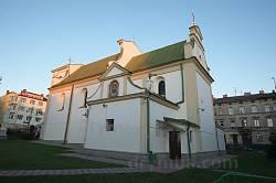 Петропавлівська церква. Вид із двору