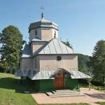 Дерев'яна церква у селі Ілів