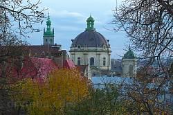 """Класичний львівський краєвид з парку """"Низький замок"""""""