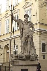 Львів. Фонтан з Нептуном на площі Ринок