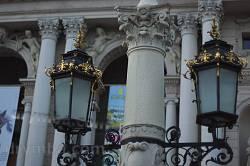 Львов. Фонари возле Оперного театра