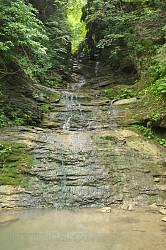 Буковинські водоспади. Середній Гук