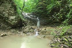 Водопад Нижний Гук