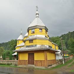 Колокольня церкви Успения Богородицы в Растоках