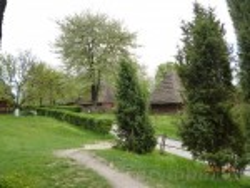 Музей народної архітектури і побуту Закарпаття. Хати із сіл Гукливий та Тибава