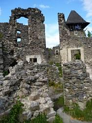 Всередині Невицького замку