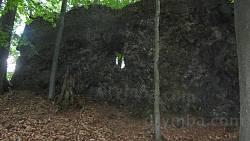 Отвір у скелі