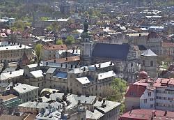 Комплекс Бернардинского монастыря во Львове. Вид с Ратуши