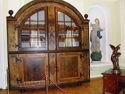 Старовинні меблі