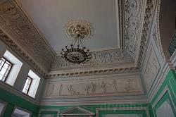 Декоративна ліпнина на стелі