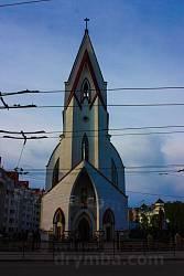 Сучасний католицький костел