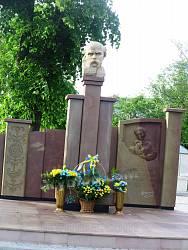 Пам'ятник Тарасу Шевченку у Настасові