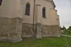 Костел св.Николая в Рогатине. Контрфорсы