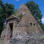 Піраміда - склеп Закревських у Березовій Рудці