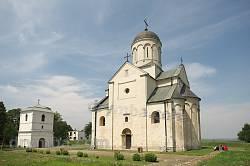 Церква св. Пантелеймона з дзвіницею