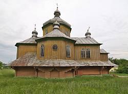 Село Черче. Церковь св.Василия (новая деревянная). Вид сбоку