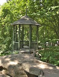 """Парк """"Софіївка"""". Альтанка на Тарпейській скелі"""