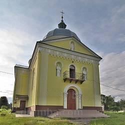 Церква Петра і Павла у Поморянах. Фасад
