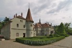Замок-палац графів Шенборнів
