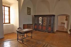 Старовинні меблі у Мукачівському музеї