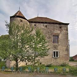 Чинадиево. Замок Сент-Миклош