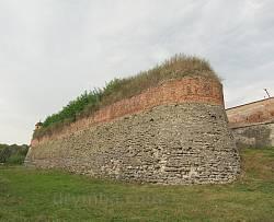 Дубно. Оборонні мури замку Острозьких