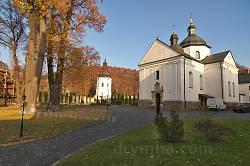 Крехівський монастир. Миколаївська церква та дзвіниця