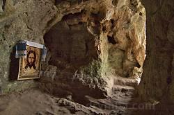 У верхній печері Крехівського монастиря