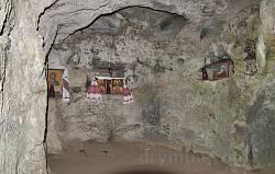 Крехівський монастир. Інтер'єр верхньої печери