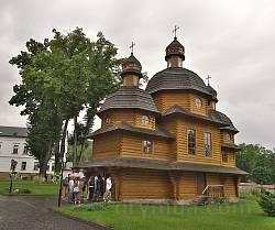 Крехівський монастир. Нова деревяна церква