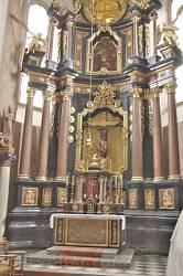 Фарний костел у Жовкві. Головний вівтар