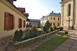 Подвіря василіянського монастиря у Жовкві