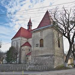 Дзвіниця костелу св.Петра і Павла у Бережанах