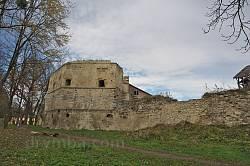 Бережани. Західна башта замку Сенявських