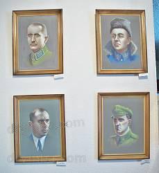 Портрети діячів визвольної боротьби  - Коновальця, Петлюри, Бандери, Шухевича