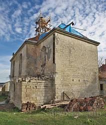 Вірменський костел у Бережанах. Вівтарна частина